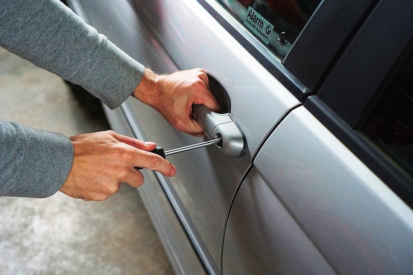 automobil lopov krađa