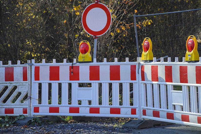 zatvorena cesta