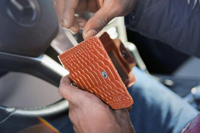 automobil novčanik